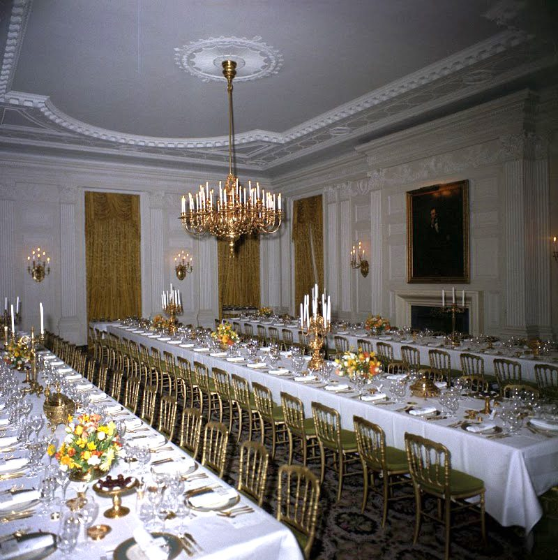 17 White-House-State-Dining-Room-Feb-20-1962