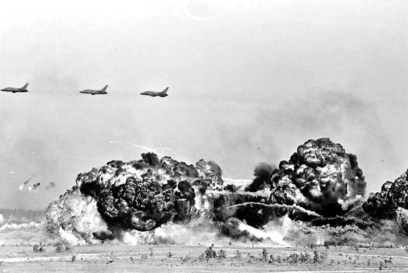 48a JFK demonstration of fire power.jpg