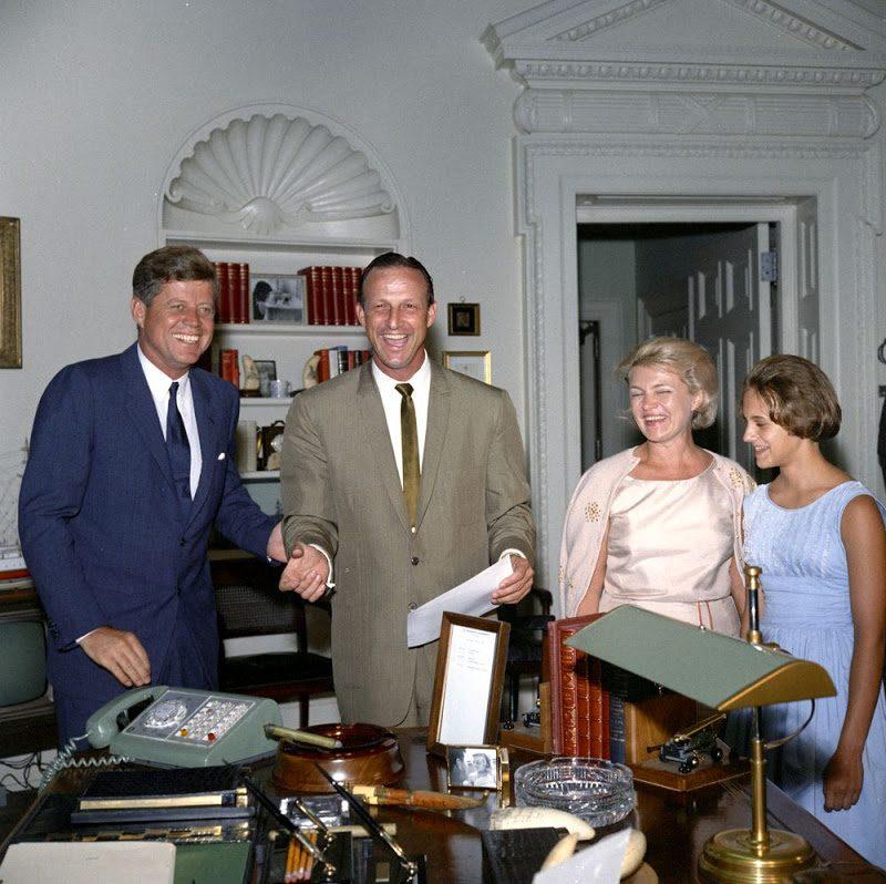61 JFK-And-Stan-Musial-July-11-1962.jpg
