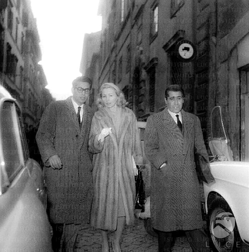 41 Alicia Darr in Rome
