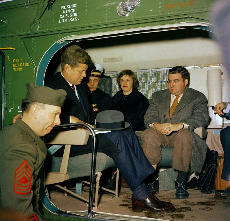 44d JFK-And-Pierre-Salinger-Aboard-Helicopter-2-11-61