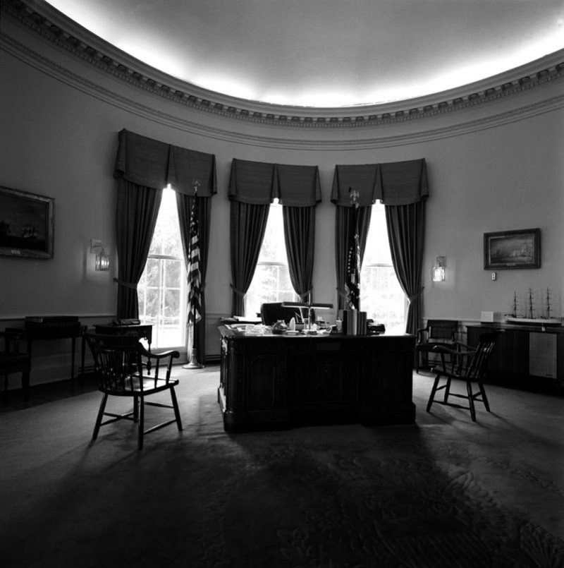 44h Oval-Office-White-House-2-25-61