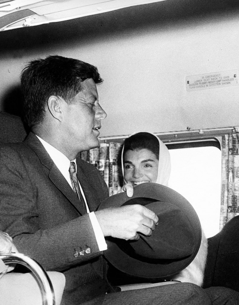 52e JFK-And-Jackie-Kennedy-Aboard-Helicopter-5-15-61