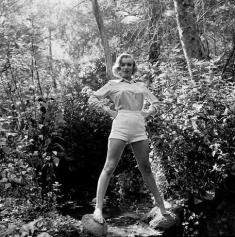 Marilyn in white shorts